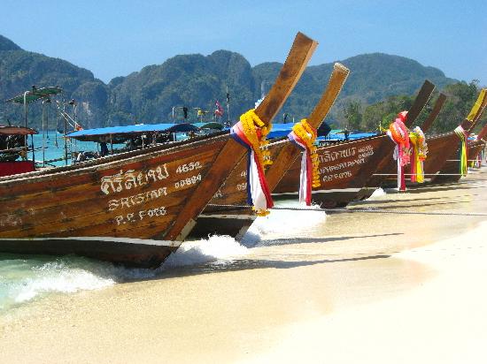 Boats-Phi-Phi